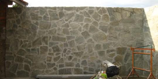 mur en pierre de taille ST JEAN DE MOIRANS